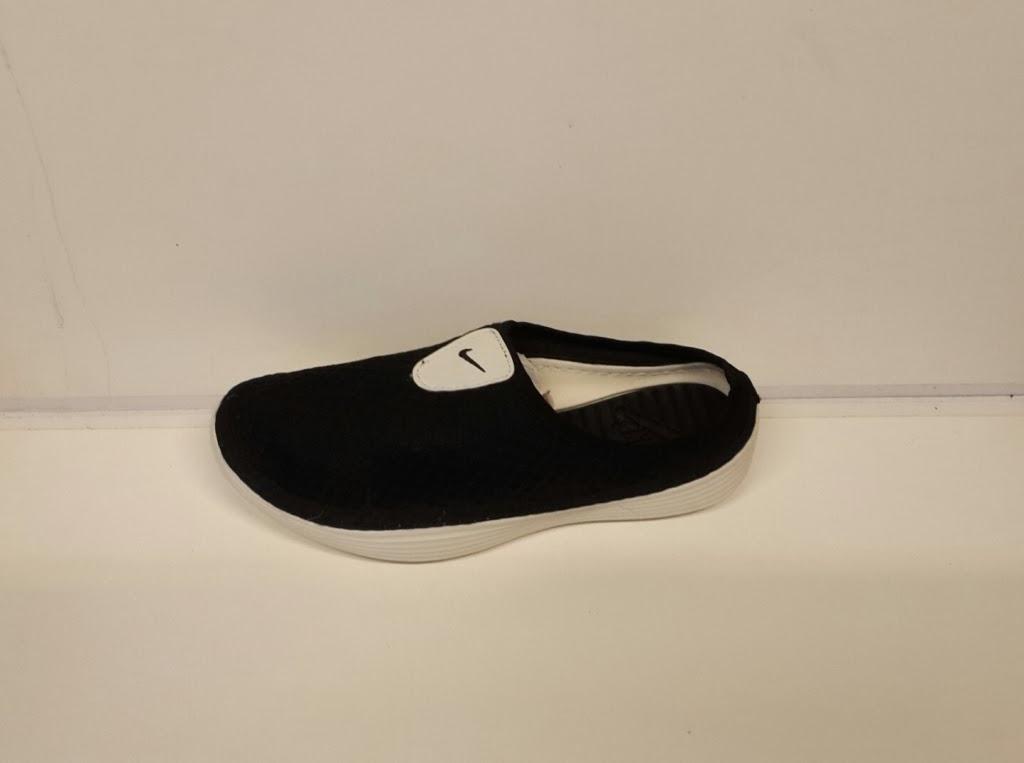 toko Sepatu Sandal NIKE hitam