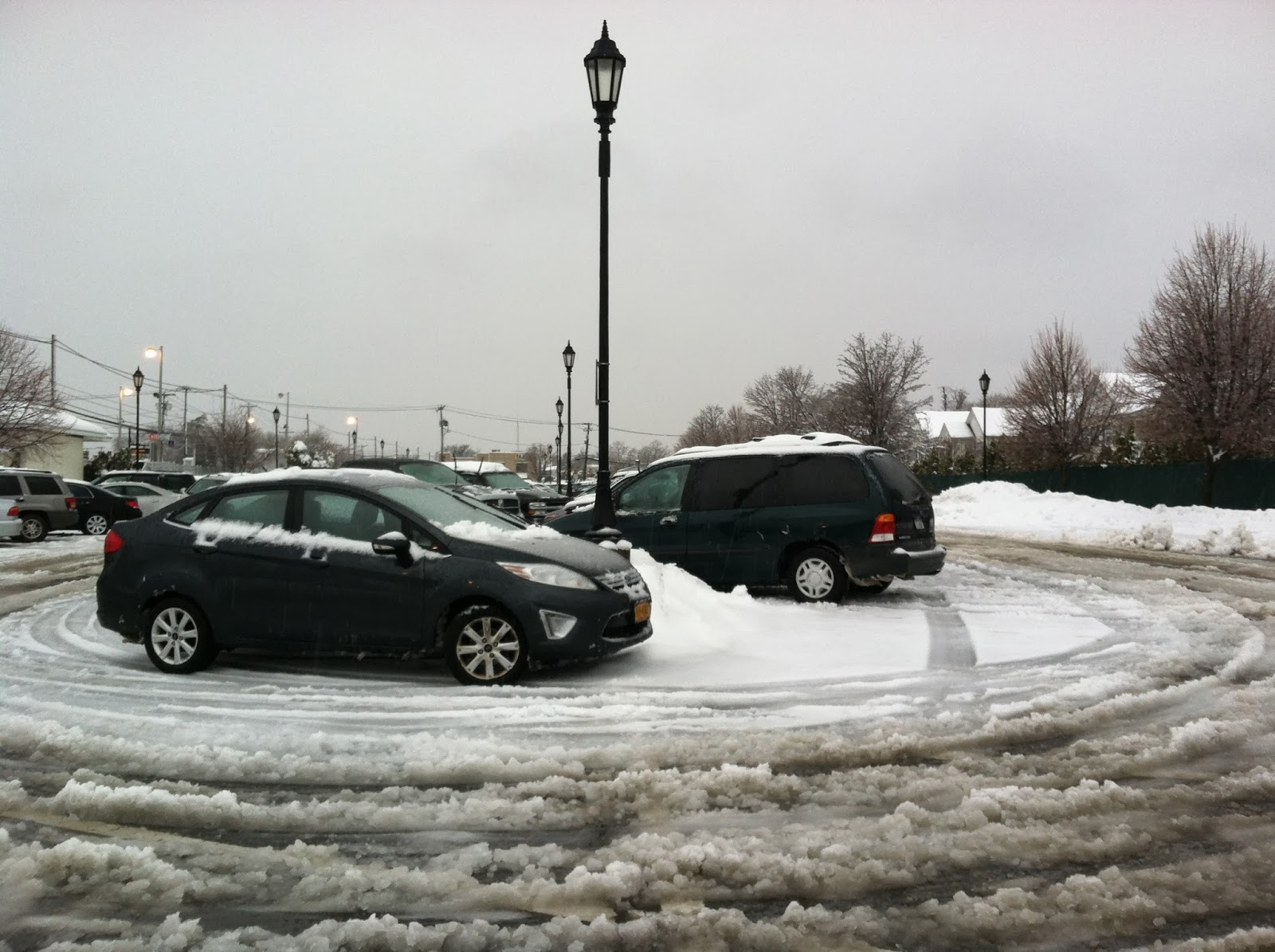 Morning-Slush-at-The-Farmingdale-Train-Station