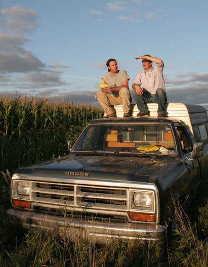 king corn by aaron woolf essay King corn: king corn is a feature documentary about two friends, one acre of corn, and the subsidized crop that drives our fast-food nation in.