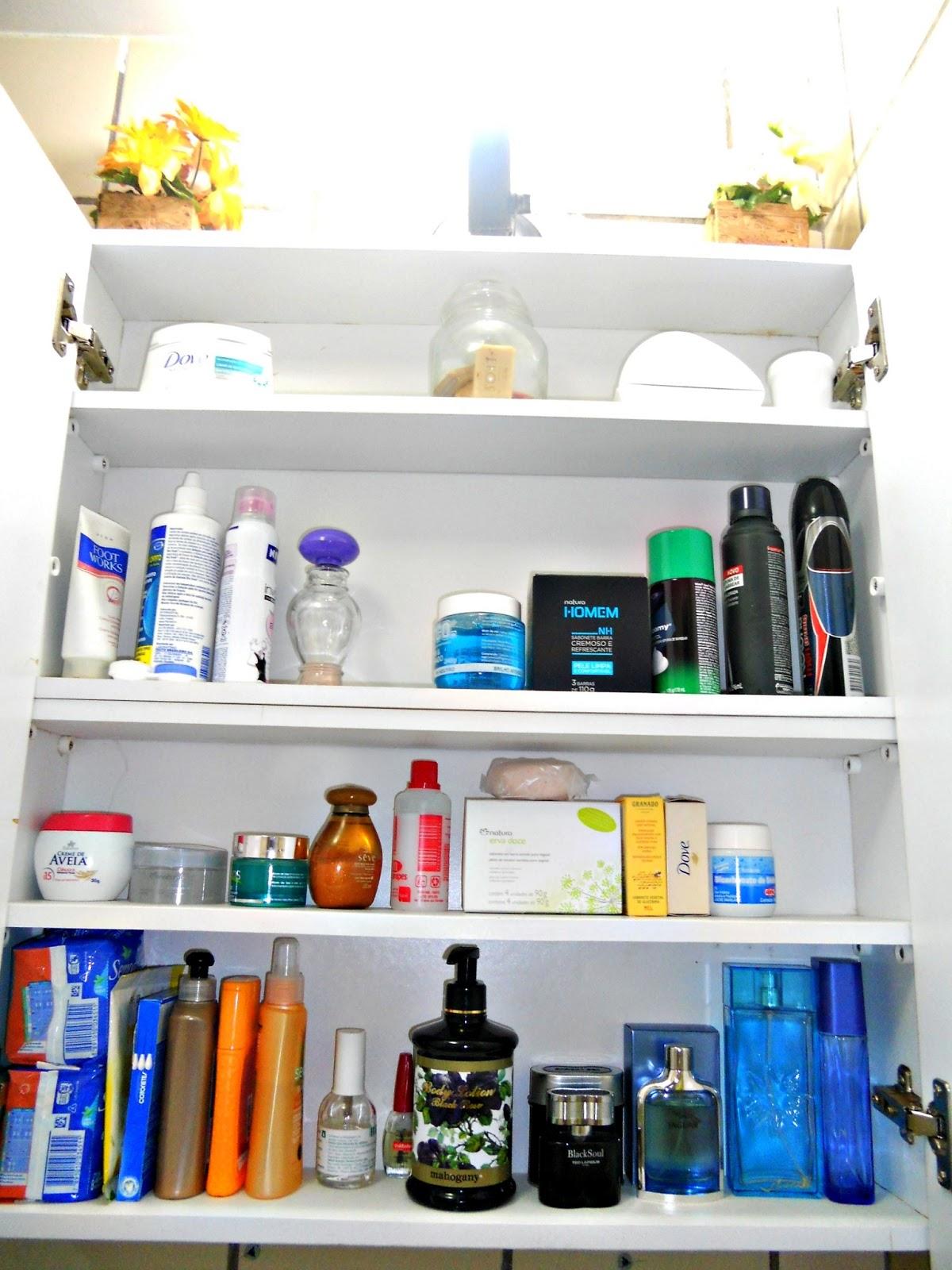 Sandra Falcão: Dicas do Dia: Organização do Armário do Banheiro. #1C65AF 1200 1600