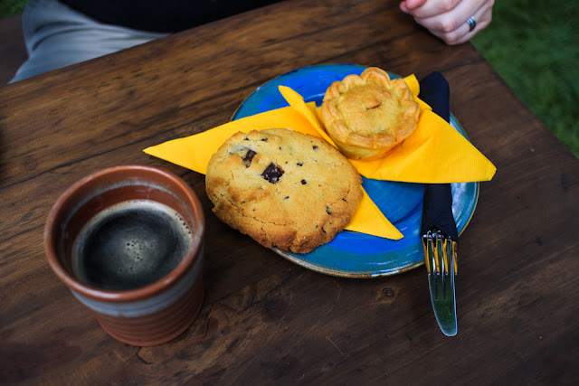 touring Hobbiton | ale and meat pies at The Green Dragon