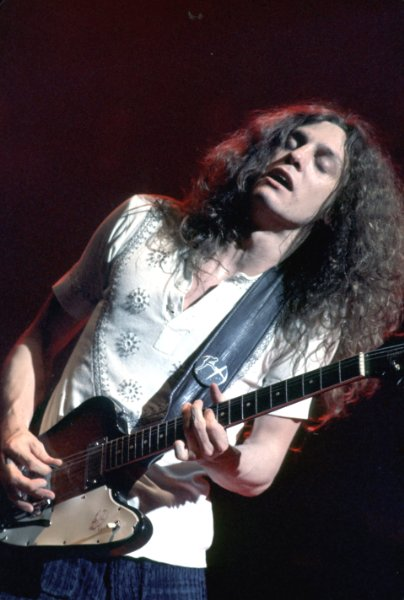 Allen Collins Net Worth