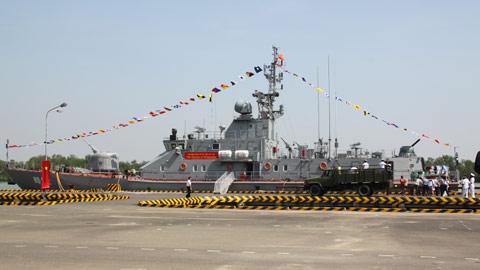 ... chiến đầu tiên, hiện đại nhất do Việt Nam sản xuất