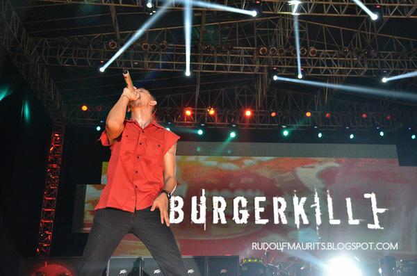 Vicky Burgerkill on stage di Bandung Berisik 2013