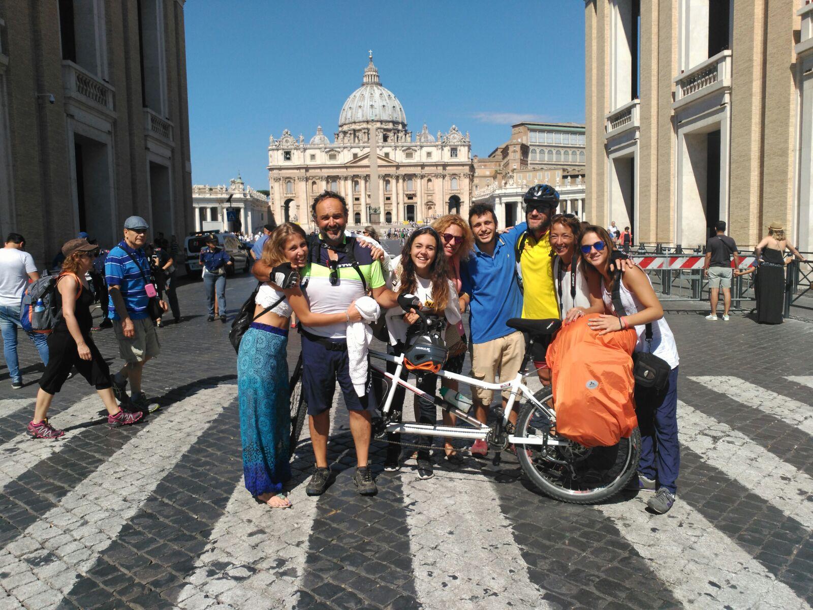 Peregrinació des del Santuari fins al Vaticà