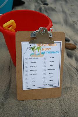 http://theballoonred.blogspot.com/2012/08/scavenger-hunt-at-beach.html