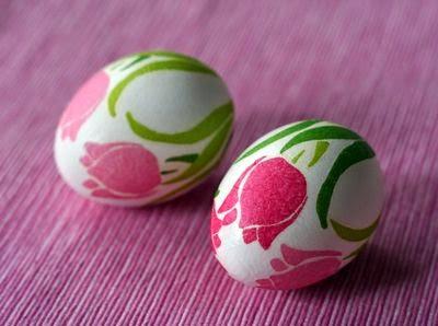 Napkin easter eggs