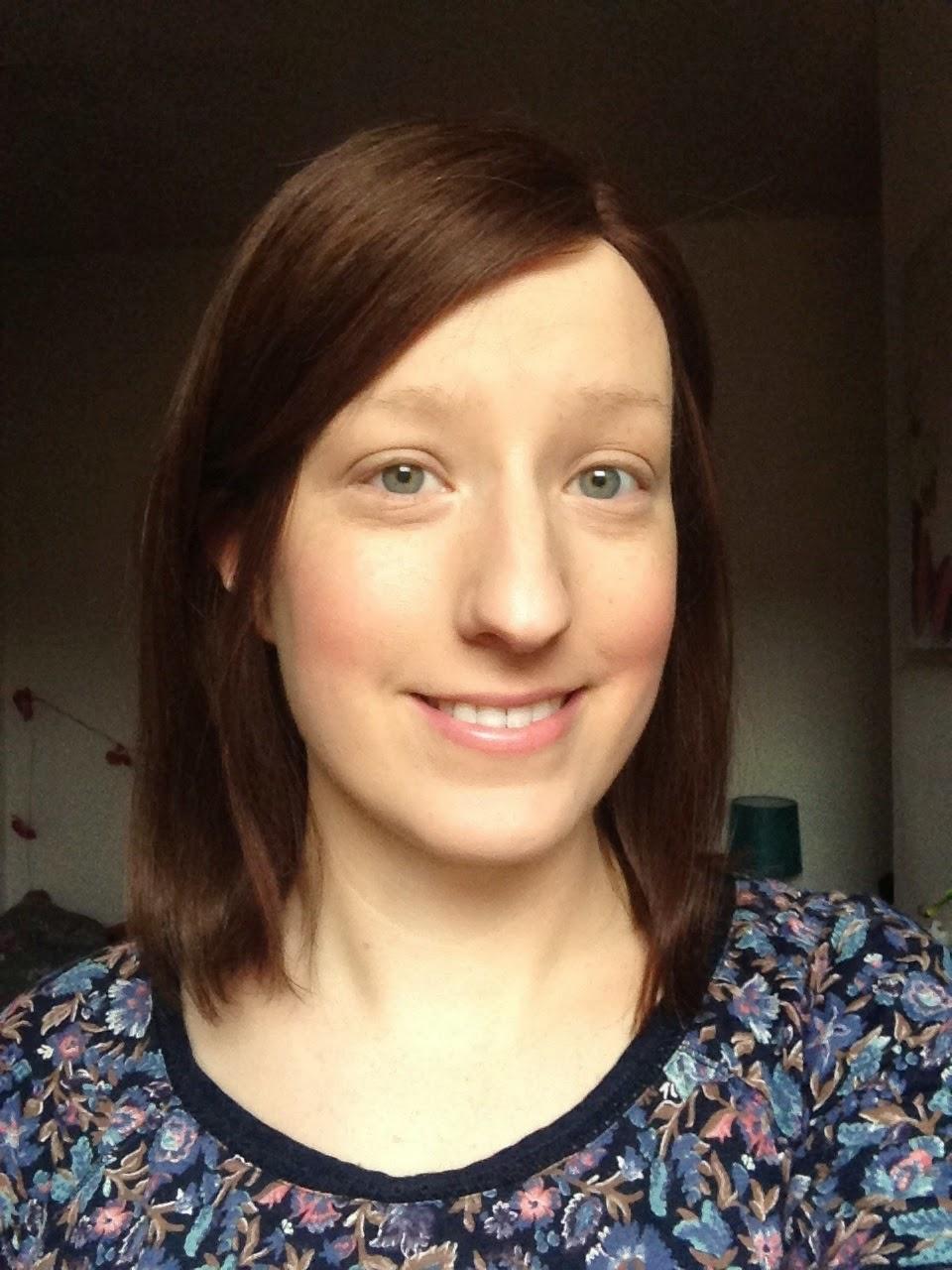 girl no eyebrows