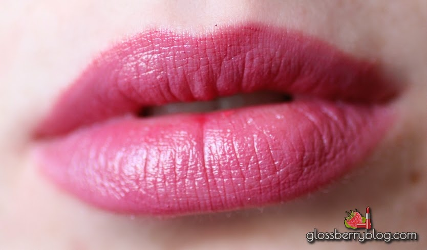 mac plumful lustre review swatches מאק שפתון פלאמפול גלוסברי בלוג איפור וטיפוח