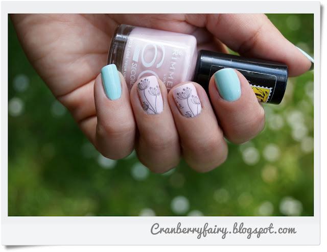 delikatne zdobienie paznokci