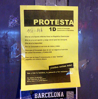 Dominicanos de Barcelona protestan contra su Consulado