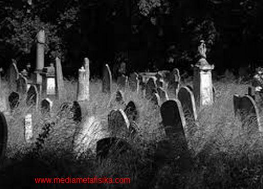 pesugihan kain mori mayat