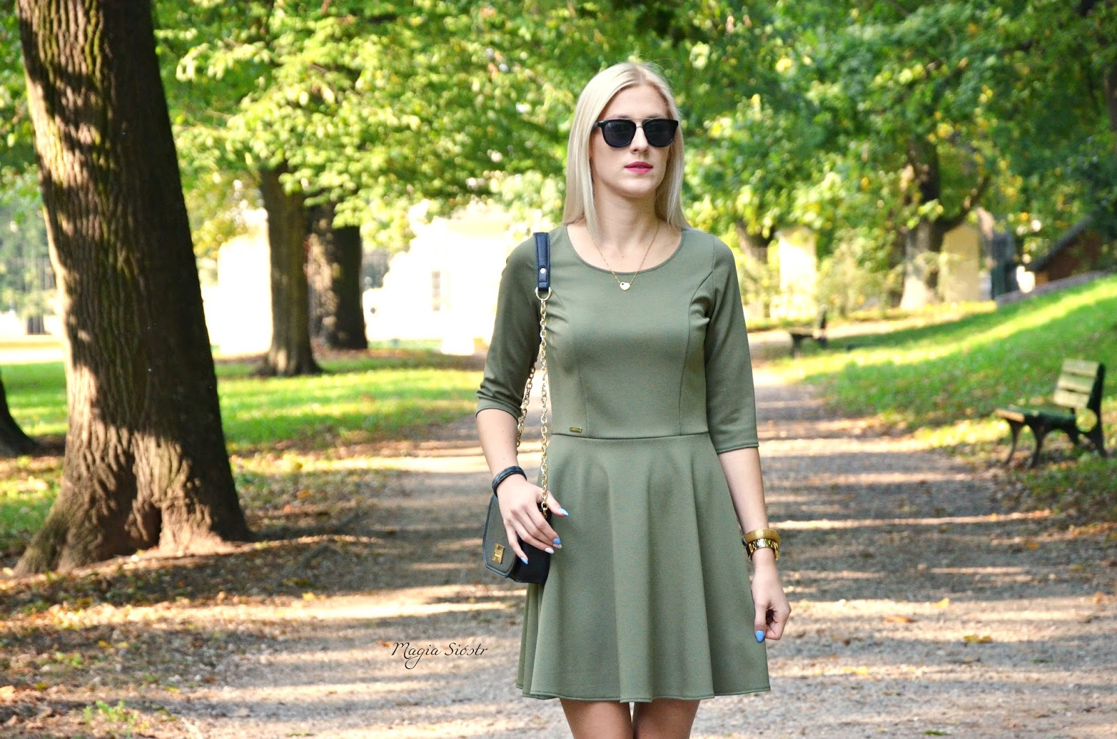 jesień, moda na jesień, stylizacja jesienna, sukienki rozkloszowane, khaki