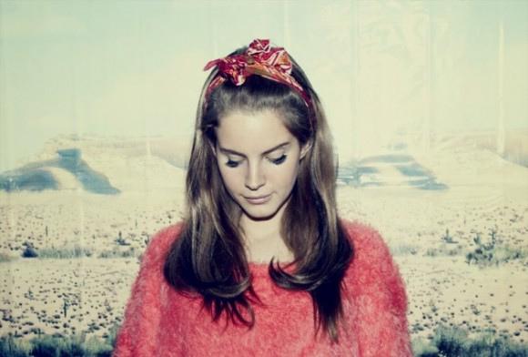 Lana Del Rey retro 1960s hairstyle