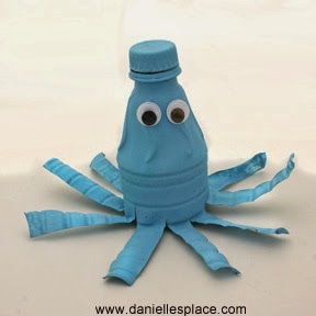http://www.daniellesplace.com/html/recycle-water-bottle-crafts-DIY.html