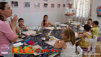 Decoración con fondant galletas mantequilla Laia's Cupcakes Puerto Sagunto