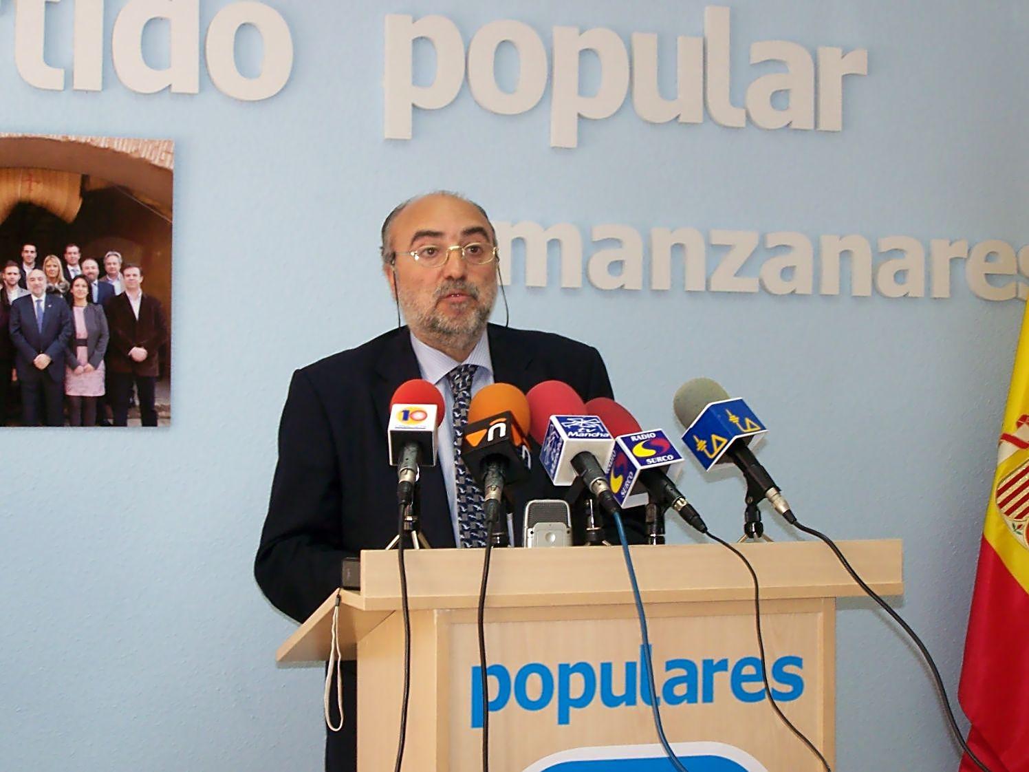 la Fiscalía ha formulado una denuncia ante los juzgados de instrucción Decano de Manzanares (Ciudad Real) contra Antonio López de la Manzanara Nuñez Barranco por un presunto delito de prevaricación
