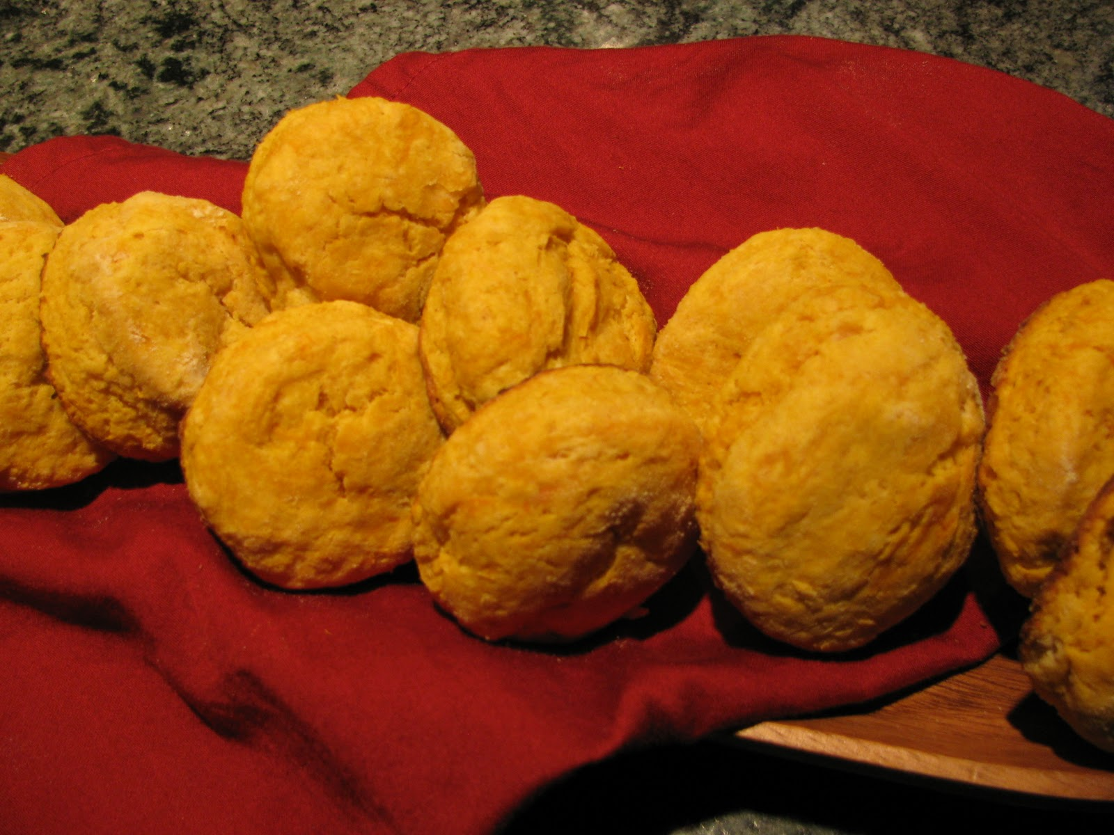 Carolina Foodie: SWEET POTATO BISCUITS....Well, just shut my mouth!