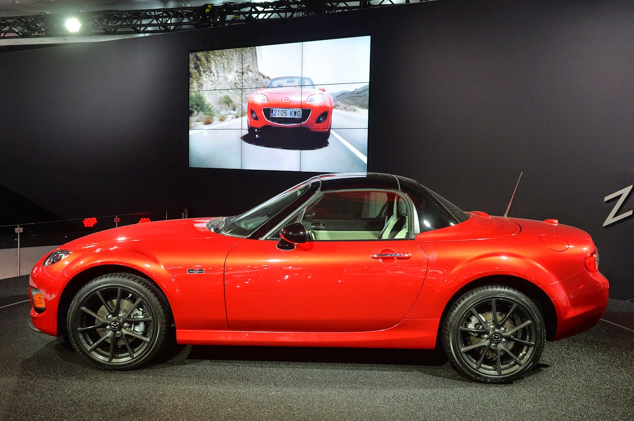 automotiveblogz 2014 mazda mx 5 miata 25th anniversary new york 2014 photos. Black Bedroom Furniture Sets. Home Design Ideas