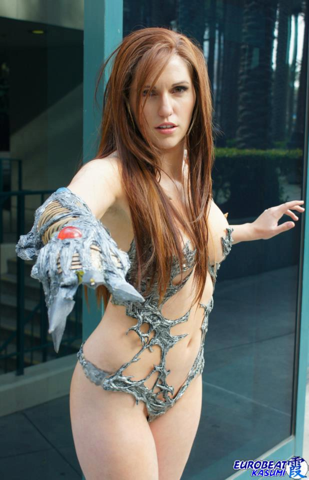 acqueline Goehner Cosplaying as Sara Pezini AKA Witchblade