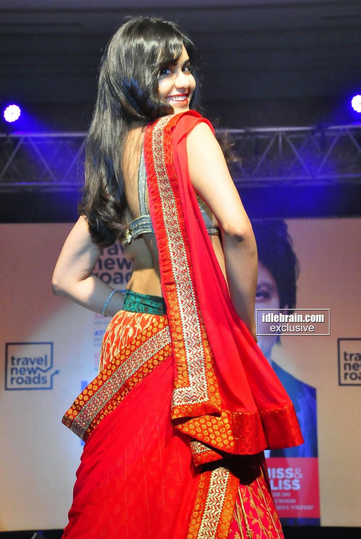 Adah Sharma back hot
