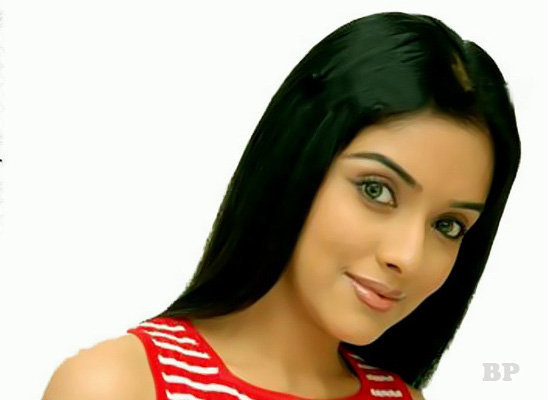 Asin_Thottumkal_Bollywood_2