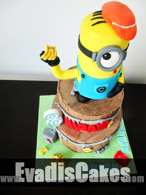 Top view of Minion with cap cake