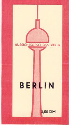 Berlin  : Στο πύργο της τηλεόρασης  που αποτελεί  το ψηλότερο  κτίριο  της πόλης