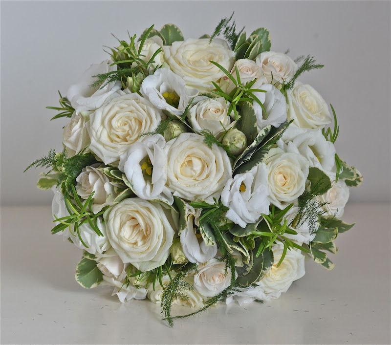 Wedding Flowers Blog: Kelly\'s Vintage, Cream,Ivory and Green Flowers ...