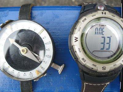 часы Timex Expedition Adventure - компас
