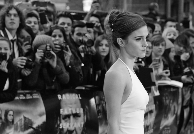 "Emma Watson Wearing Ralph Lauren at ""Noah"" London Premiere"