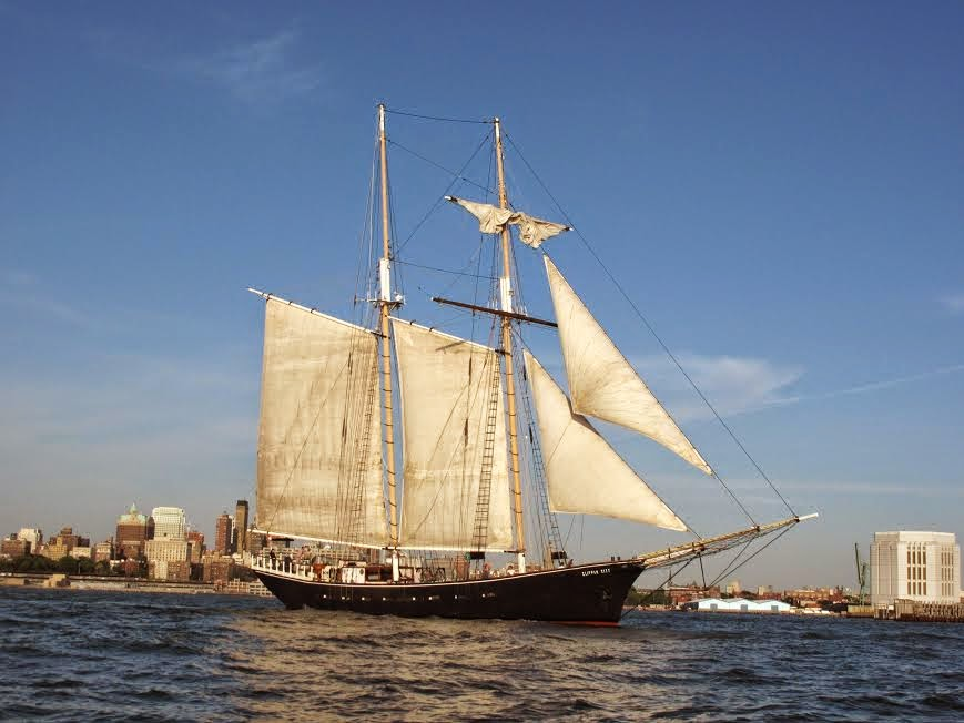 Manhattan by Sail: Clipper City