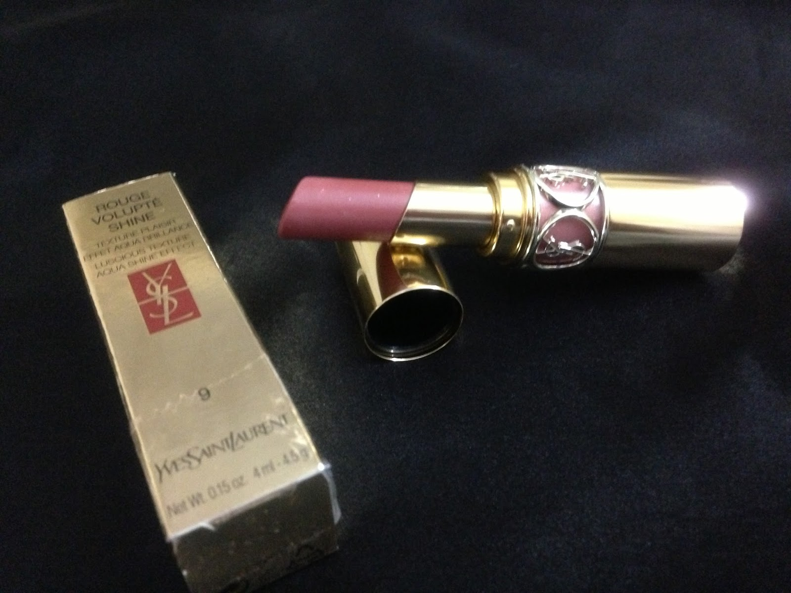 Yves Saint Laurent Rouge Volupte Shine, No.9 Nude In