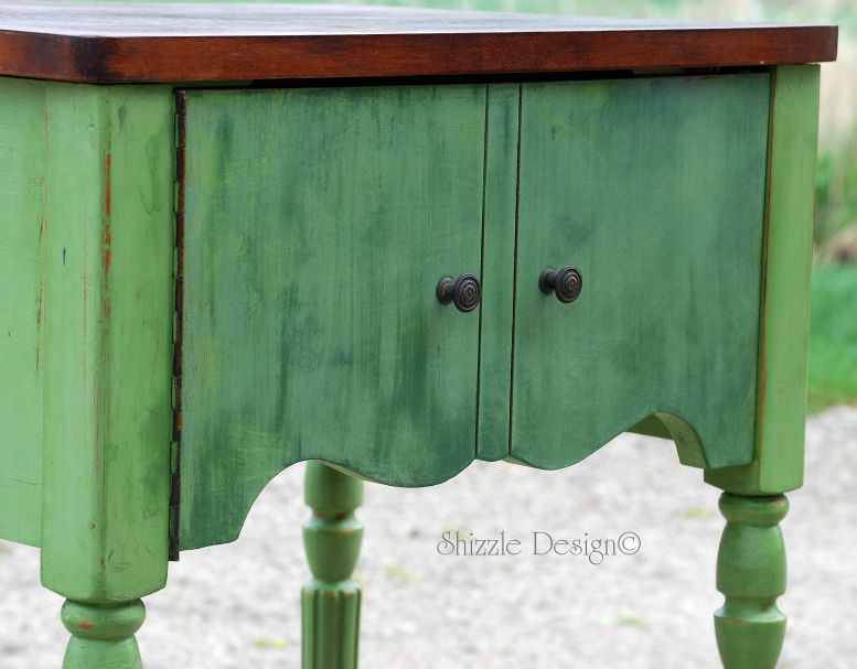 Shizzle design how to get that great patina on painted for Kitchen cabinets zeeland mi