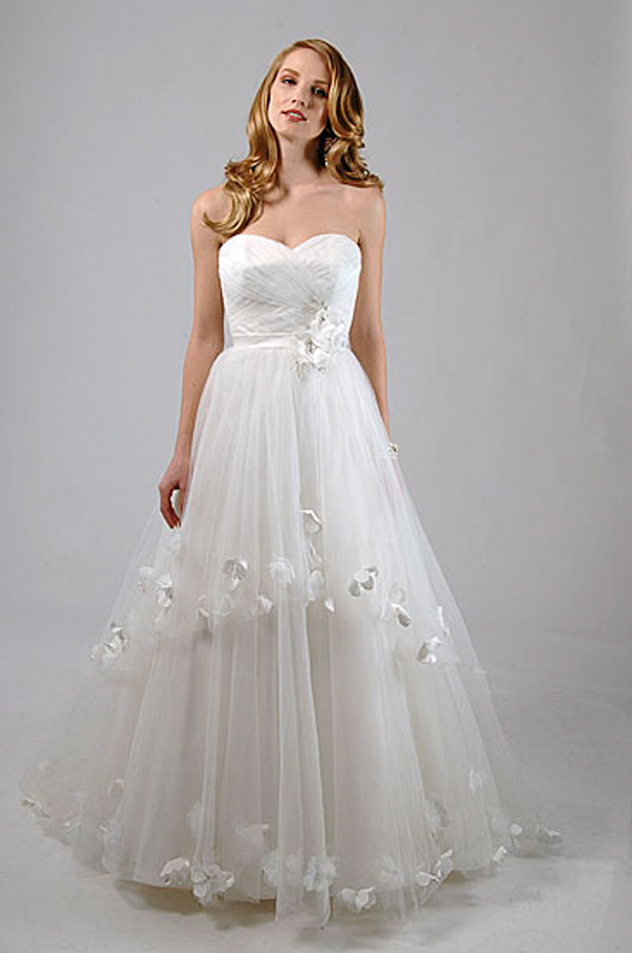 Wedding Inspiration Center: White Wedding Gowns Designs from Alfred ...