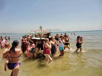 Viva la Virgen del Carmen! Getares celebra su procesión marinera