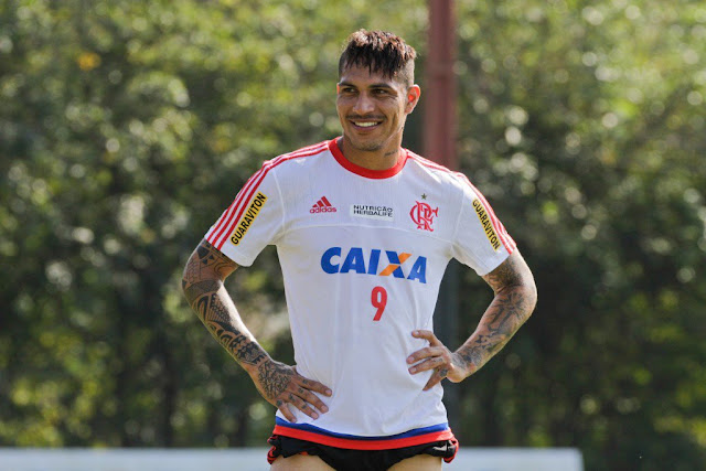 Paolo Guerrero será desfalque para a equipe do Flamengo na partida contra o Atlético-PR, nesta quarta-feira (Foto: Gilvan de Souza/CR Flamengo)