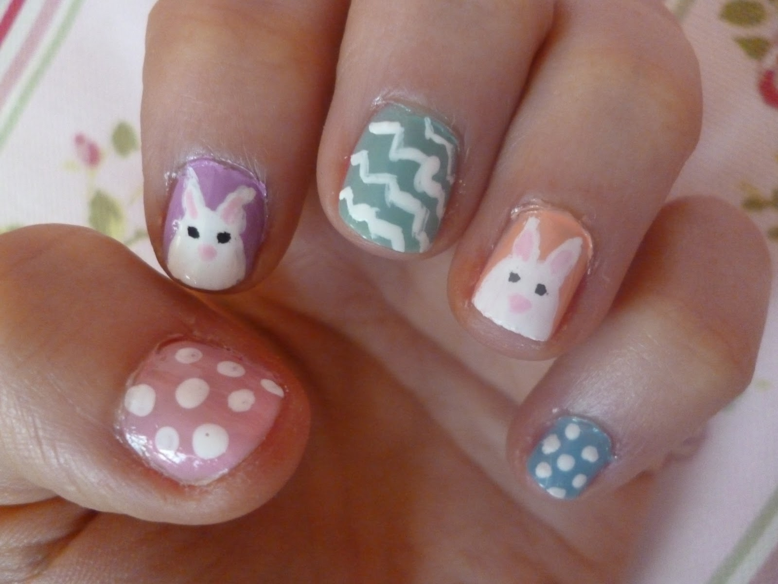 Meg\'s Boutique: Easy Easter Bunny Nail Art!