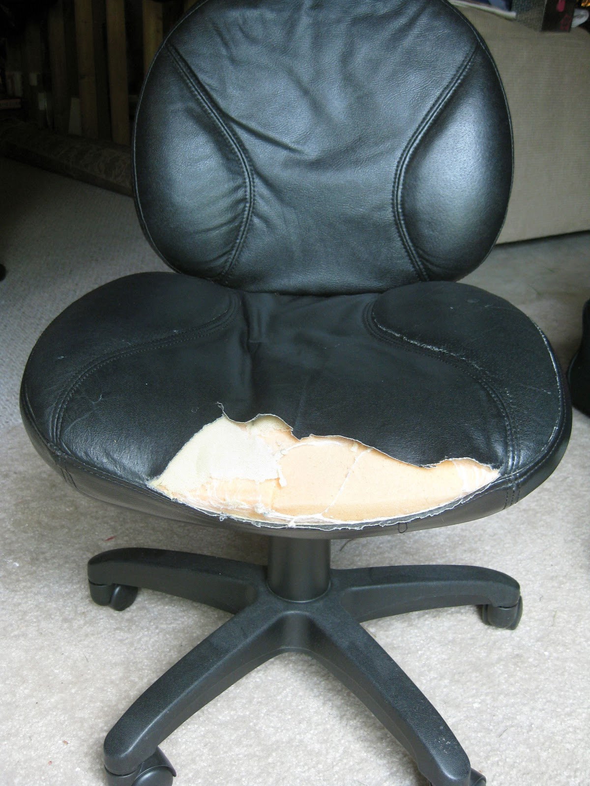 Remodelando la Casa Office Chair Makeover