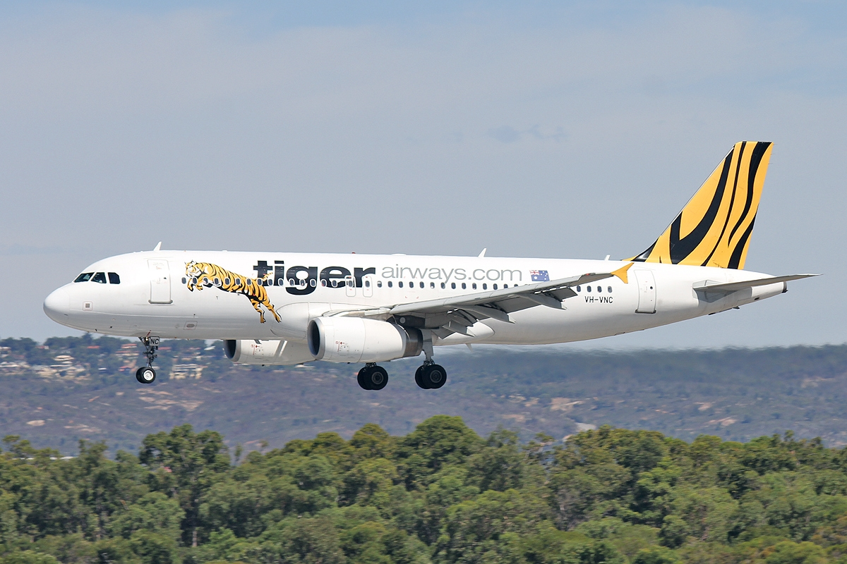 R Tiger Airways Perth Airport Spotter'...