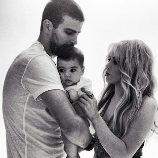 Shakira family picture