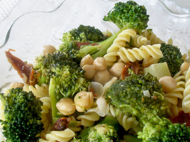 Lemony Pasta with Broccoli and Chickpeas | Lisa's Kitchen | Vegetarian ...