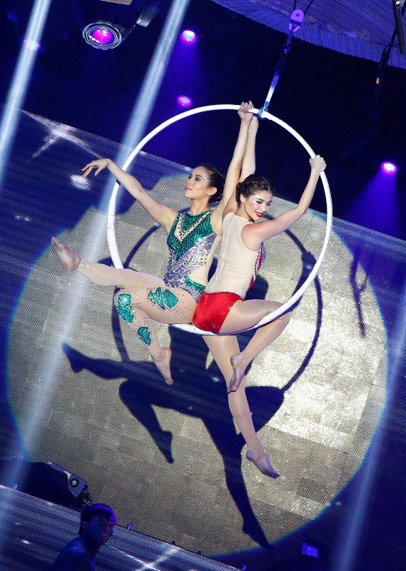 Anne Curtis and Karylle Circus Performance Video on 'It's Showtime