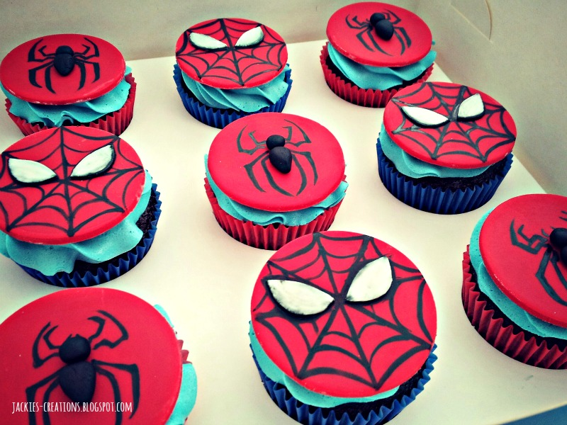 Fondant spiderman cupcake toppers - photo#1
