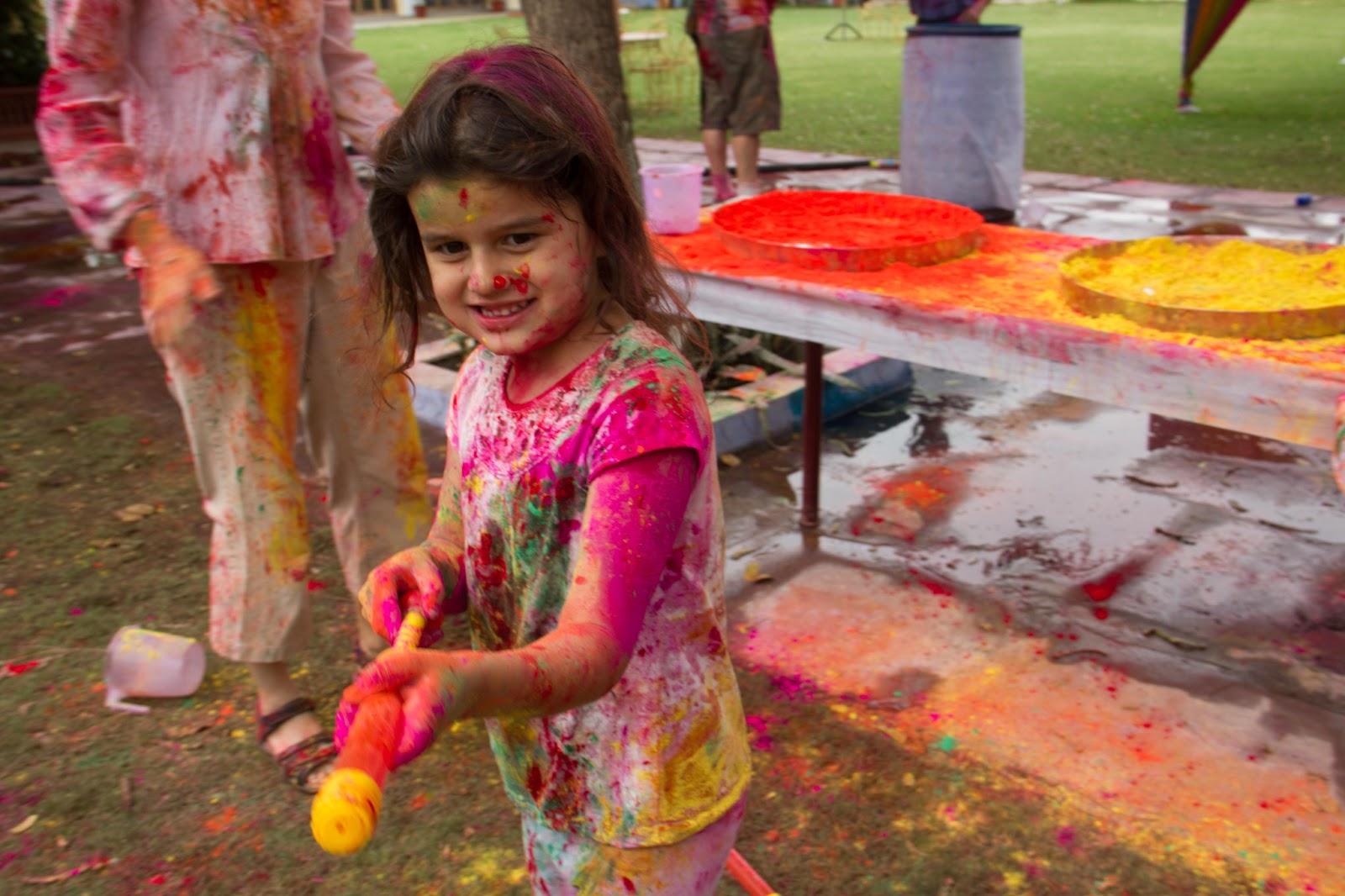 Fashion Beauty Wallpapers Kids Playing Holi
