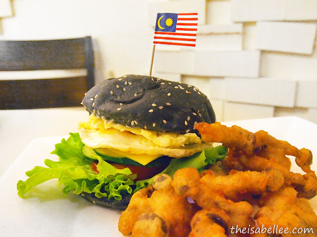 Charcoal Burger at Simple Life Restaurant