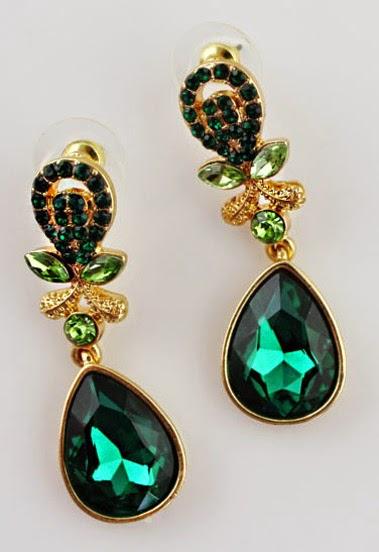 www.sheinside.com/Green-Gemstone-Gold-Drop-Earrings-p-138635-cat-1757.html?aff_id=1238