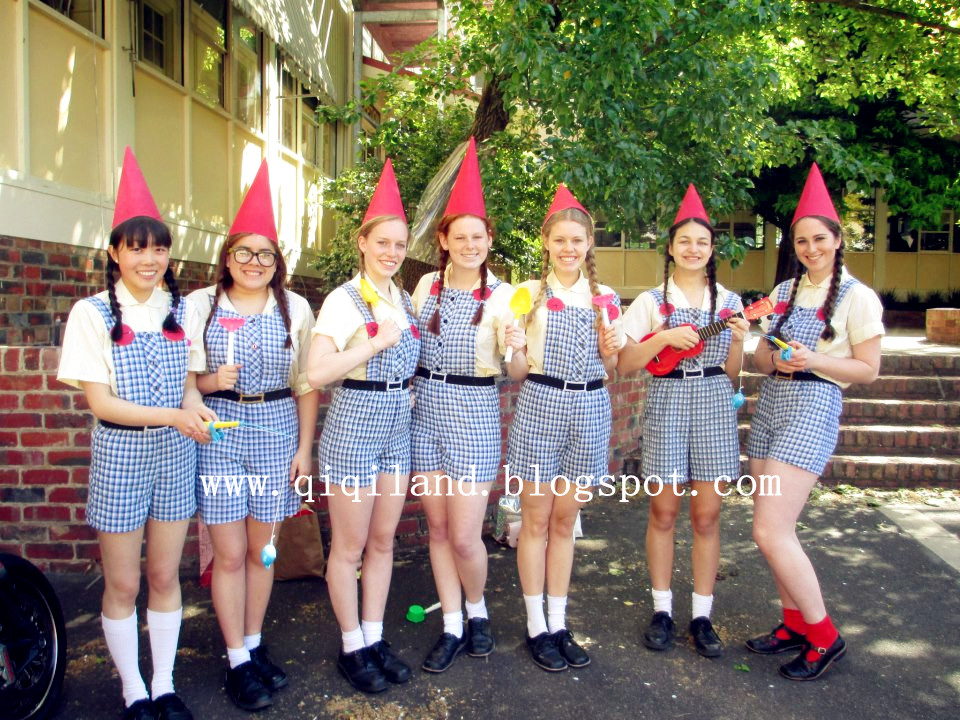 "muck up day Police were called and more than 300 london students were sent home from  europe's biggest jewish school after a pre-gcse ""muck-up"" day."