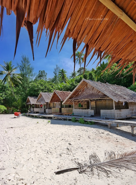 "<a href=""http://mataram.info/things-to-do-in-bali/visitindonesia-banda-marine-life-the-paradise-of-diving-topographic-point-inward-fundamental-maluku/"">Indonesia</a>best destinations : Small-Scale Homestay Alongside Million-Dollar Sentiment Inwards Raja Ampat"