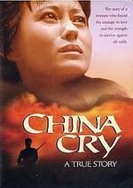 China llora 'Un Clamor desde la China' Película ambientada en la década de 1950, basada en una historia real sobre una joven, Sung Neng Yee, nacida en una familia rica de China, ella estaba ansiosa de entrar al Mao Tse Tung's o la sociedad, pero se da cuenta que solo trae miseria a su familia, ella es arrestada por creer en Cristo, y fue condenada a ser fusilada, sobrevivió milagrosamente, pero fue condenada a los campos de trabajos forzados aun estando embarazada. Una apasionante historia de amor, lucha y vuelo hacia la libertad.